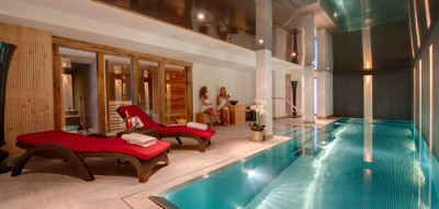 Chalet White Pearl Pool